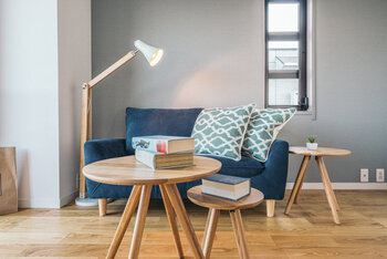 「動かせる」「折りたためる」「重ねる」方法を活用すれば、お部屋をより効率的に使うことができるかもしれません。小さなおうちがもっと居心地よく、快適に過ごせる場所になりますように♪