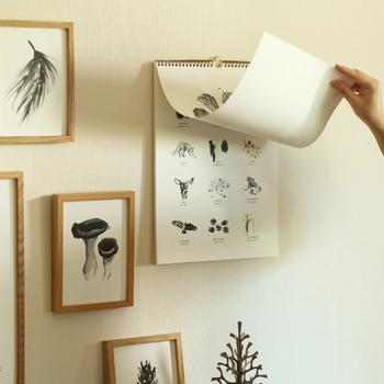 動物に加えて植物も多めのカレンダーになっているのは、KOZLIFEによるリクエスト。アートというと構えてしまいがちですが、カレンダーなら気軽に取り入れられそうですね。