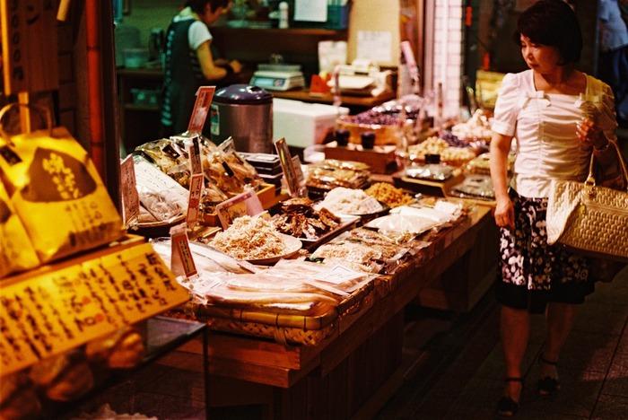 1日いても飽きない全国の市場10選。美味しいものにたくさん出会える旅
