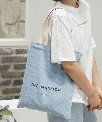 ロゴバッグブームはアメリカやヨーロッパに留まりません。お隣韓国にもおしゃれなロゴバッグがあります。それがこの「ユヌマンション」です。韓国の人気ファッションブランドのロゴバッグは、ジーンズカラーのおしゃれバッグ♪