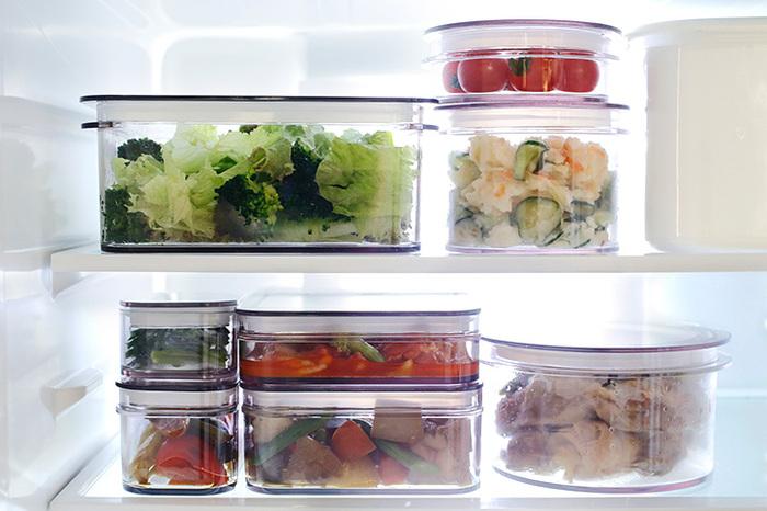 四角形の「レクタングル」は、冷蔵庫の中などでもスッキリ保存できるように、積み重ねて保存できる形状となっており、角がない「ラウンド」は、洗う際に汚れを落としやすく清潔に使えて◎。
