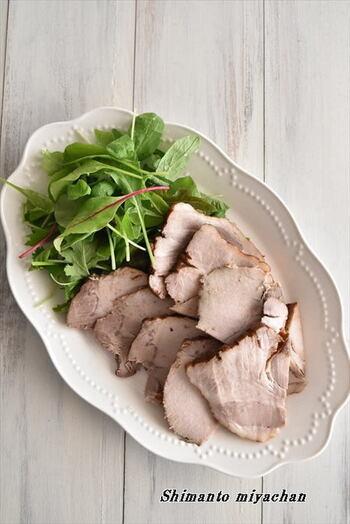 同じく基本の紅茶豚ですが、こちらのタレは酢醤油なので、よりさっぱりした豚肉料理を味わえます。