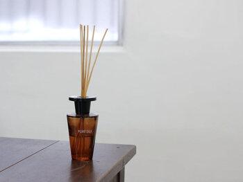 ホームパーティーでお客様をおもてなしするなら、家の顔でもある玄関はいい匂いに包まれているのがベストです。家に入った瞬間に「いい香り~♪」と思ってもらえるよう、お気に入りのミストやルーム香水などで香りづけをしておきましょう。