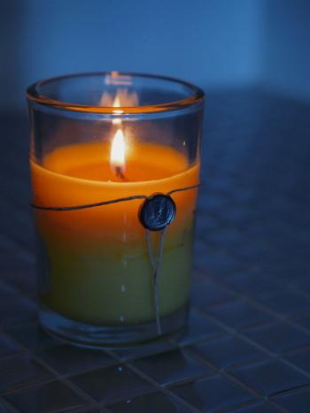 アロマキャンドルに火を灯して、1/Fのゆらぎを眺めていると脳内にα波が発生して、心が落ち着いていきます。自然のやわらかな動きというものはとても心地よいものですよね。