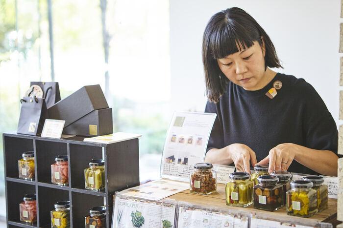 谷平さんは4歳の娘を持つママさん。[「東京ぴくるす」](https://tokyo-pickles.stores.jp)というブランドを立ち上げ、江戸東京野菜を広めるべく、イベントにも数多く出店しているそう。インターネット販売も行っていることから全国に顧客を抱えています。