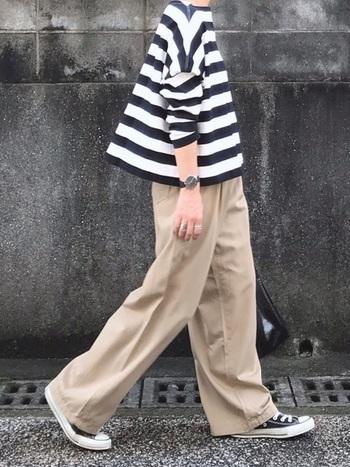 ワイドパンツは丈感を意識するのがコーデ成功の鍵!靴の見え方、肌の見え方など、トップス~足元のバランスまで全体像をしっかり計算することで、ひとつ垢抜けた素敵な女性にもっと近づいていけるでしょう。
