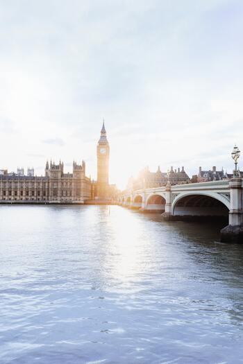 フランスの北に位置する島「イギリス」も北ヨーロッパに位置付けされていることをご存知ですか?街歩きが楽しくなる秋ならイギリスへ遊びに行くのもおすすめです!