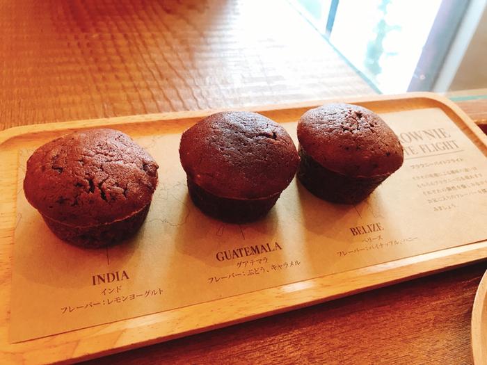 おすすめは、3種類のシングルオリジンチョコレートを使ったブラウニーを食べ比べできる「ブラウニーバイトフライト」。それぞれのチョコレートの個性をしっかり感じられると評判です。