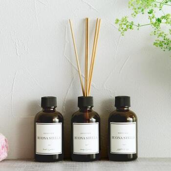 こちらのリードディフューザーは、調香師がアロマオイルを調香したこだわりの一品。3種類の香りがあります。好みで選んだり、部屋ごとに違う香りを置いたりするのも良いですね。