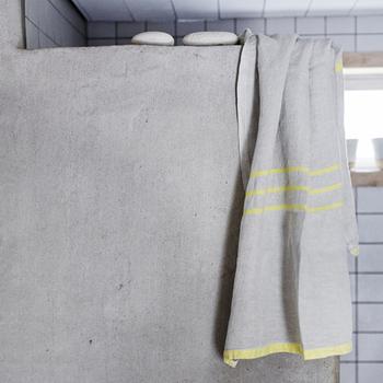ウォッシュドリネンは吸水性&速乾性に優れており、洗えば洗うほど柔らかく肌になじむ素材です。デザイン性にも優れているので、毎日の入浴をますます楽しくしてくれそうですよね♪