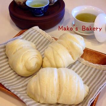 饅頭の生地をくるくると巻き付けた「花巻」は、台湾では朝食の定番。ねぎを練り込んだり、甘味をつけたりします。花巻は、日本の中華料理店でもよく目にしますね。
