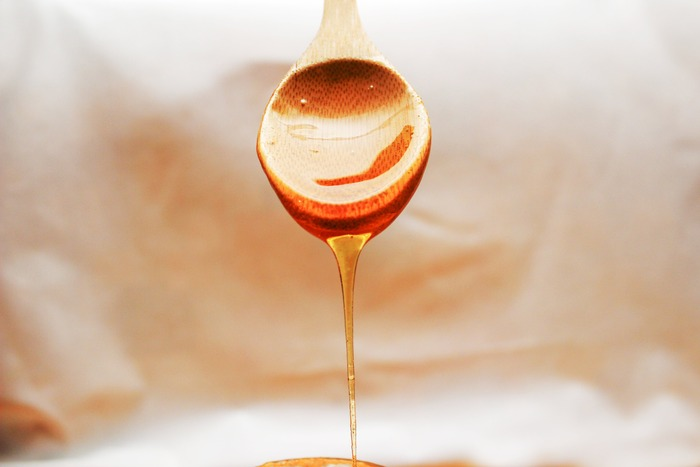 蜂蜜から作られたお酒「蜂蜜酒」をご存知ですか?蜂蜜酒は、蜂蜜に酵母を加えて造られる醸造酒で、世界最古のお酒と言われています。別名「mead(ミード)」や「ハニーワイン」とも呼ばれているので、耳にしたことがある方もいらっしゃるのではないでしょうか?