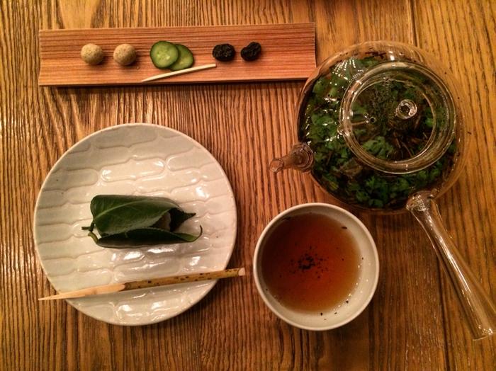 こちらは香りの良い「HIGASHIYAハーブブレンド春菊」。ハーブと春菊のブレンド茶なんて、とても珍しいですね。30種類以上の季節に合わせた珍しい日本茶は、新しい日本文化の魅力に気づかせてくれそうです。