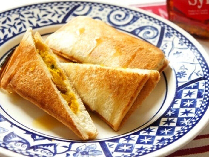 こんがりプレスされたパンと、ほくほくと優しい甘さのカボチャ、サラサラでありながらしっかり染み込むメイプルシロップ、この掛け合わせはたまりません。おやつとしてもOKな至高のスイーツに格上げですね。