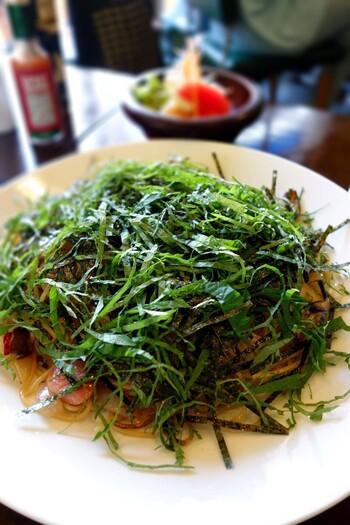 海苔と紫蘇が麺を多いつくす「和風スパ」も、オーナーおすすめの一品です。その他、海の幸スパゲッティー、海老・たらこクリーム、ミートソースなど様々なメニューが用意されています。