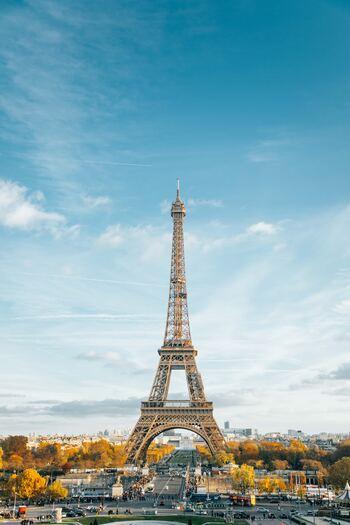 フランスは愛国心が強く、自分たちの国や伝統、文化に誇りを持っています。自分の住む地域や国に興味や関心を持ち、自国のことをきちんと語れることは見習いたいですね。