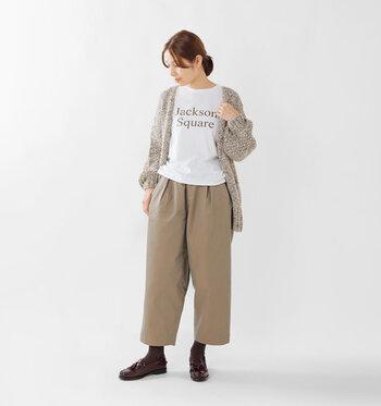 ワイドパンツは下に重ね着がしやすく、秋冬の寒い日にも大活躍してくれるアイテムです。ぜひ季節感のある着こなしと防寒を両立できる、素敵なコーディネートを楽しんでみてくださいね♪