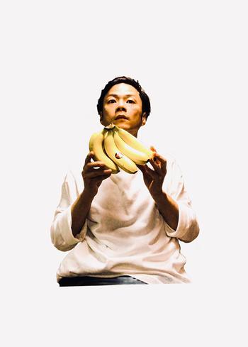 大阪府出身のシンガーソングライター。圧倒的な歌唱力と変幻自在な歌声が話題となり、その楽曲は多くのCMソングや映画主題歌に起用されています。
