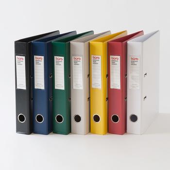 「buro」のファイルは、洗練されたデザインで、書類をすっきりおしゃれに収納できます。A4用紙までOKのファイルは、幅5.5cmの頼もしいサイズ感。リングを開けるのも簡単で、背表紙に穴でで取り出しもラクラク!