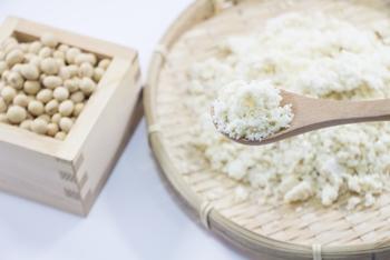 おからは食物繊維が豊富と聞いたことがあると思いますが、食物繊維だけではなく、大豆に含まれる約40%のたんぱく質は残っており、カルシウムやカリウム、その他の大豆の栄養素もしっかり含まれています。