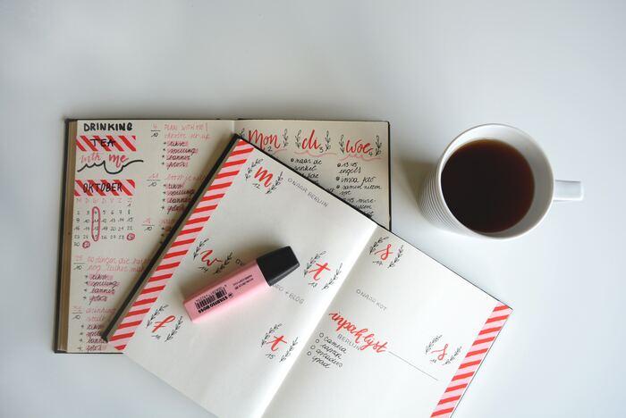 素敵な手帳やノートを見つけると、つい何冊も買ってしまう。いろんな手帳の使い方を試してみたい。とにかく書くことが大好きという方は、枠にはまらない、自由な使い方で手帳を楽しみましょう。特別な思い出だけでなく、何気ない毎日の出来事までもが、手帳に書くネタになりますよ。
