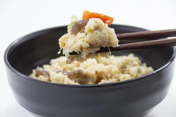 安価で低カロリーなおからは、豆腐の絞りかすというイメージがありますが、大豆の栄養も残っている優れた食材なんです。 低カロリーで低糖質、お腹も満たしてくれるおからは、ダイエットの強い味方です。