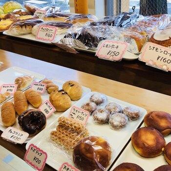 のぐちやBakeryは、板橋区の下赤塚にある昔懐かしい雰囲気のパン屋さんです。東京大仏の近くにあり、お参りの後に立ち寄る方も多いのだとか。