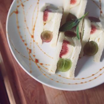 果物を使ったデザートは、フルーツサンド、パフェ、パンケーキがあり、どれも見た目も良く写真映えする一品に仕上がっています。フレッシュなフルーツジュースも人気ですよ。