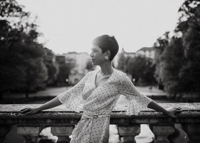 年を重ねるのが楽しみになる。パリジェンヌに学ぶ《豊かな人生の歩み方》