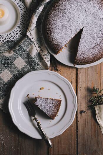 手作りケーキはハードルが高いと思っている人にこそ作ってもらいたい、クリスマスケーキのレシピを集めました。 今年のクリスマスは、ホームメイドケーキで、一味違ったクリスマスを楽しんでくださいね。