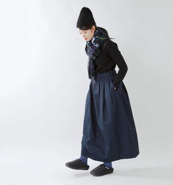 秋冬の新しい足元にサンダルという新鮮さ。寒々しくないし、ほっこりと癒されるような暖かなデザインも魅力です。素肌で履く心地よさや、靴下とのコーディネートも試したくなる「SUBU」で快適さとおしゃれを試してみませんか?