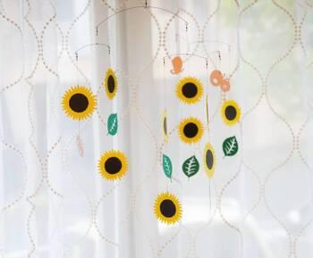 夏と言ったらやっぱりひまわり!窓際に飾ってあるだけで、お部屋がぱっと明るくなりそうです。