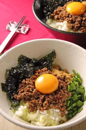 話題の「台湾まぜそば」もおうちで作る事ができますよ。麺は太めの中華麺がオススメです。お好みでごま油をかけても◎