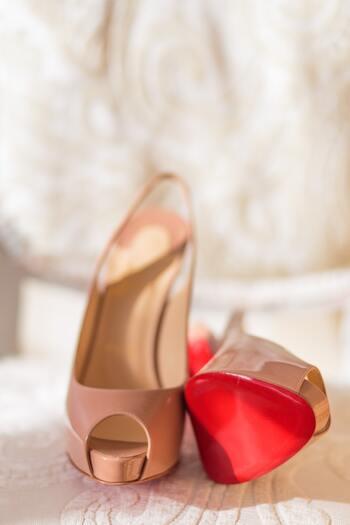 ですが、履き心地や歩き心地が良くないと、いずれ膝や腰にも影響が出てきます。さらに、良い靴がしっかり磨かれていると、周りに与える印象もアップします。