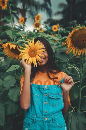 """「幸福な人」ってどんな人?幸福度の研究から見る""""ハッピーな人が大切にしていること"""""""