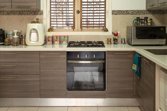 「料理その物は嫌いではないけれど、キッチンが汚れると後の掃除が大変で辛い」という理由で料理が面倒に感じる事もあります。そんな時は調理法を工夫したり道具を活用してみましよう。