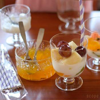 水・ジュース・ワインなど、どんな飲み物もおしゃれに見せてくれるレンピは、こんなふうにパフェ用のデザートグラスとしても使用できます。フルーツやヨーグルト、アイスクリームなど様々な食材を美味しそうに引き立てて、テーブルを華やかな雰囲気に演出してくれます。