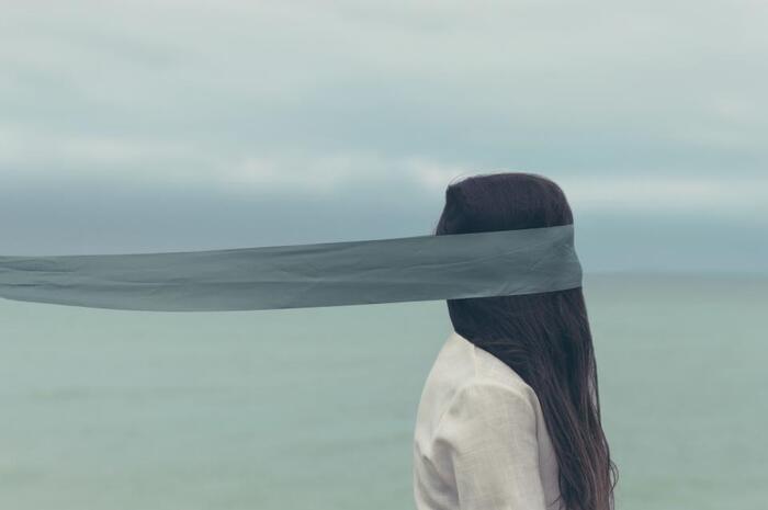 「髪は女の命」と言われるように、美しい髪は見た目の印象に大きな影響を与えますよね。髪をキレイに保ちたいけれど、うねりや広がり、クセやはねなど、悩みは尽きません…。