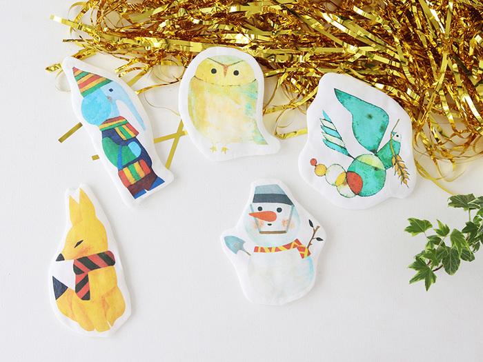 できるだけデザインのテイストは統一して、いろんなキャラクターを用意してあげるのがおすすめ。  子供のイラストを布プリントしてマスコットを作り、クリスマスオーナメントにしても良いですね* きっと特別なクリスマスの思い出がつくれますよ♪