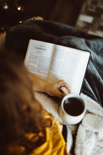 本を思う存分楽しむことができるブックホテル。旅先でただ眠るためだけのホテルとは違って、チェックインしたその瞬間から滞在時間そのものを満喫することができます。気になるホテルはありましたか?機会を見つけて、ぜひ、ブックホテルを訪ねてみて下さいね♪