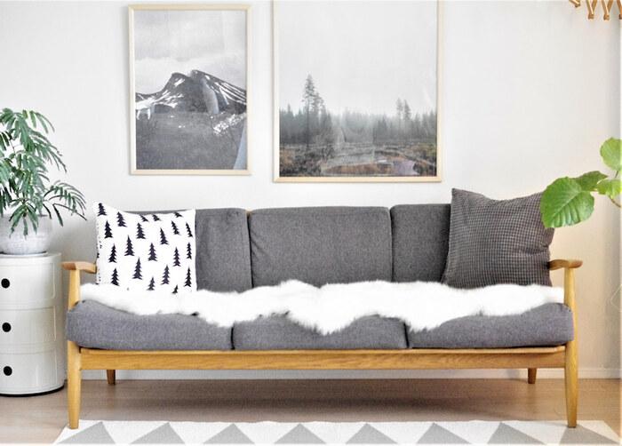 こちらのブロガーさんのように、いつものソファーにふわっと敷くのも素敵です。冬のアクセントが加わって、まるで雪が積もったようにぱっと雰囲気が変わるのも面白いですね♪