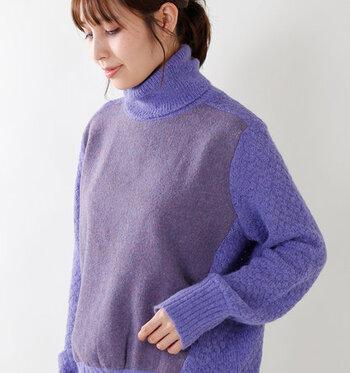 2019AWのトレンドカラーでもある紫。着こなすのが難しいカラーだと思いがちですが、ニットトップスなら、誰でも着こなしやすく、上品&おしゃれに仕上がります。デイリー使いのボトムスと合わせるだけでもグッとトレンド感溢れる着こなしに格上げできちゃいますよ♪  今回はそんな紫ニットを取り入れた大人コーデを、合わせるボトムスのタイプ別にご紹介します。