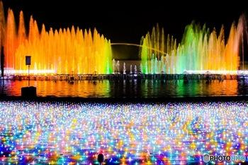 園内全体が光に溢れる、規模の大きいイベントなので、写真好きの方にはとにかく撮りがいがあるはず!中でも過去最大のスケールという迫力満点の噴水ショーは必見です。