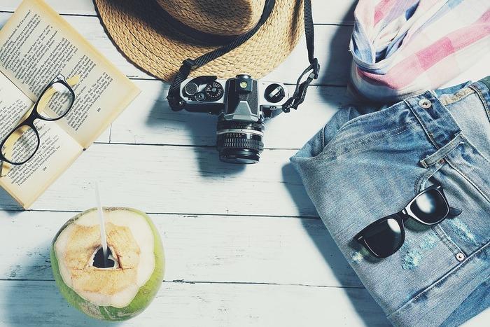 最初にご紹介するのは、16歳の少女たちの一夏を描いた【旅するジーンズと16歳の夏】です。多感な時期に迎える「夏休み」という特別な時間の中で、不思議なジーンズがそれぞれの体験を繋いでいきます。
