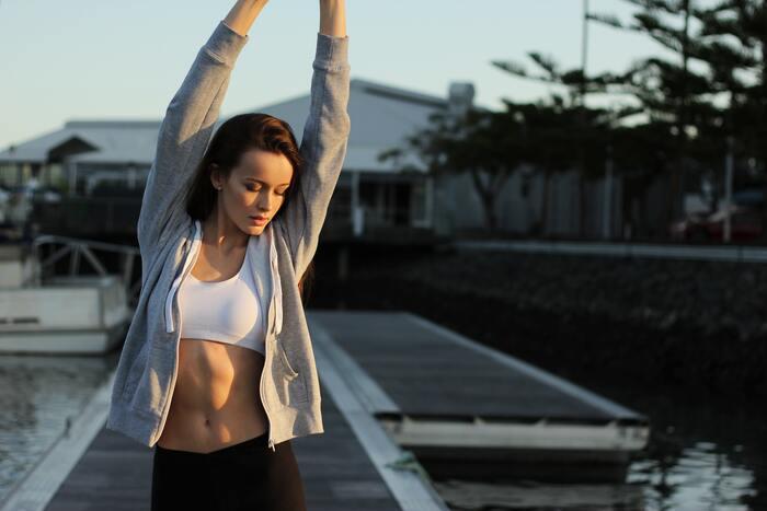 筋トレには、単に筋肉を付けるだけでなく、エネルギーを生み出す細胞を増やし腰痛や肩こりの改善、全身の代謝アップなど、いろんな効果が期待できますね。さらに筋トレの良さは変化が目に見えて実感できることです。