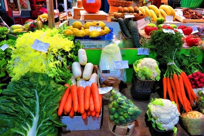 干し野菜の基本は、カットして干すだけ。あまり難しく考えずに、とりあえずチャレンジしてみましょう。お休みの日にお天気が良かったから干してみる!くらいの軽い気持ちで楽しんでみてくださいね。