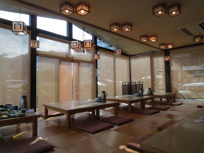 レトロさのある館内はアットホームな雰囲気があり、ファミリーでもご利用しやすい温泉となっています*