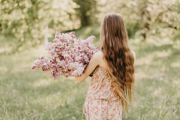 今の自分を見つめ、将来への道筋を立てるための、「自分らしさ」に気付く質問リストをご紹介しました。漠然とした不安を抱いていたのが、少し和らいだのではないでしょうか。これからの暮らし方を見直して、あなたらしい明るい未来を切り拓いてくださいね。