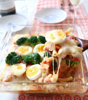 こちらのグラタンはトマトクリーム仕立て。クリームソース&サーモンのピンク色にブロッコリーや卵も加わってとっても鮮やか。楽しくてついつい予定以上に食べてしまいそうです。