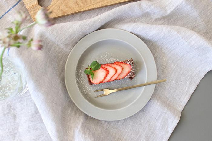特別な材料がなくてもOKの、簡単レシピのおやつ作りはいかがでしょう。小さな達成感が得られて、お腹も心も満たされます。混ぜて焼くだけ、固めるだけといった簡単レシピなら、小さなお子さんと一緒に楽しむこともできますね。